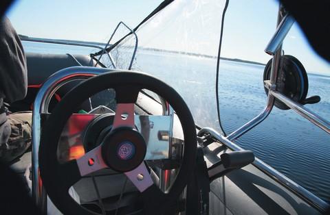 Управление лодкой своими руками